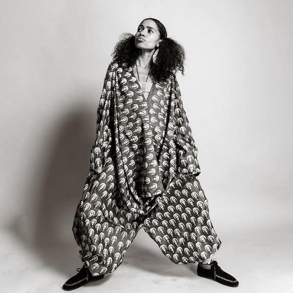 Nneka Tea Lyrics